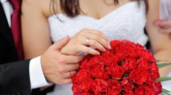 準新娘結婚前一晚和男閨蜜徹夜長談,未婚夫:退婚!我成全你們