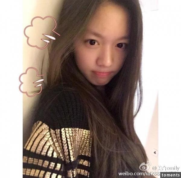 她被成龍親臉,與歐陽娜娜是姊妹淘,還和韓國男神做了那件事,慘遭粉絲痛批!