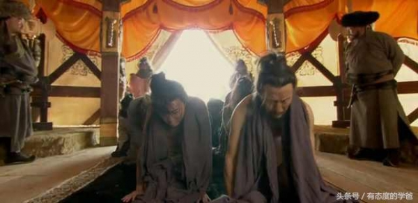 这个皇帝没血性,老婆女儿和儿媳都被敌人光顾,他还磕头谢恩
